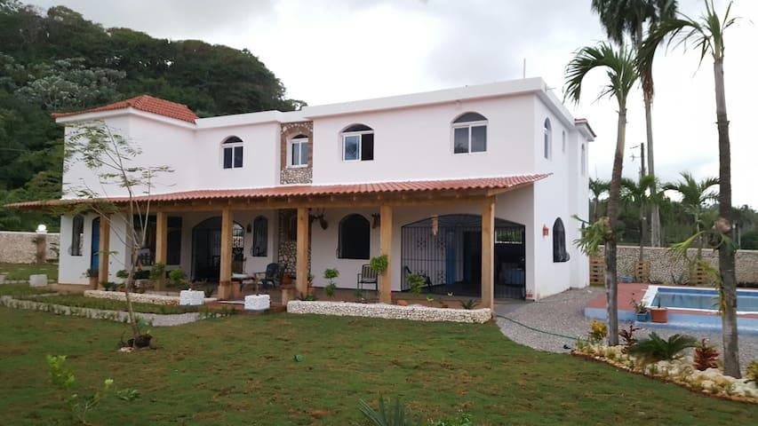 Apto 2 dormitorios,piscina,muebles+ - カブレラ - 一軒家