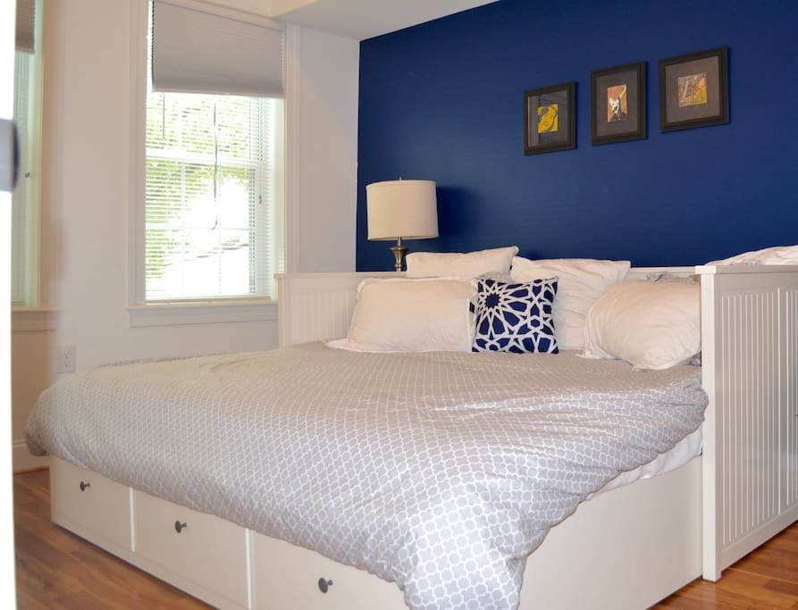 Guest bedroom: king-sized bed with plenty of storage