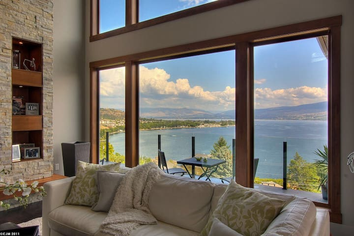 Amazing home with amazing views! - West Kelowna - Casa