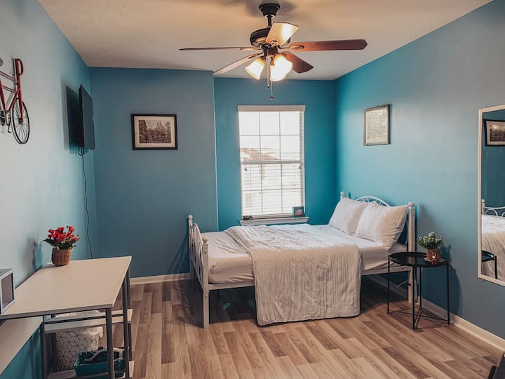 VINTAGE-Private CoZy Room-Houston-Hway6/ Sugarland