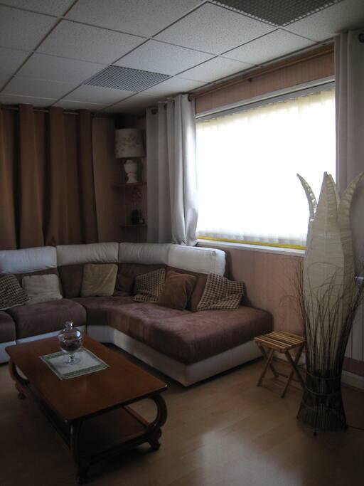 chambre dans loft oyonnax wohnungen zur miete in arbent auvergne rh ne alpes frankreich. Black Bedroom Furniture Sets. Home Design Ideas