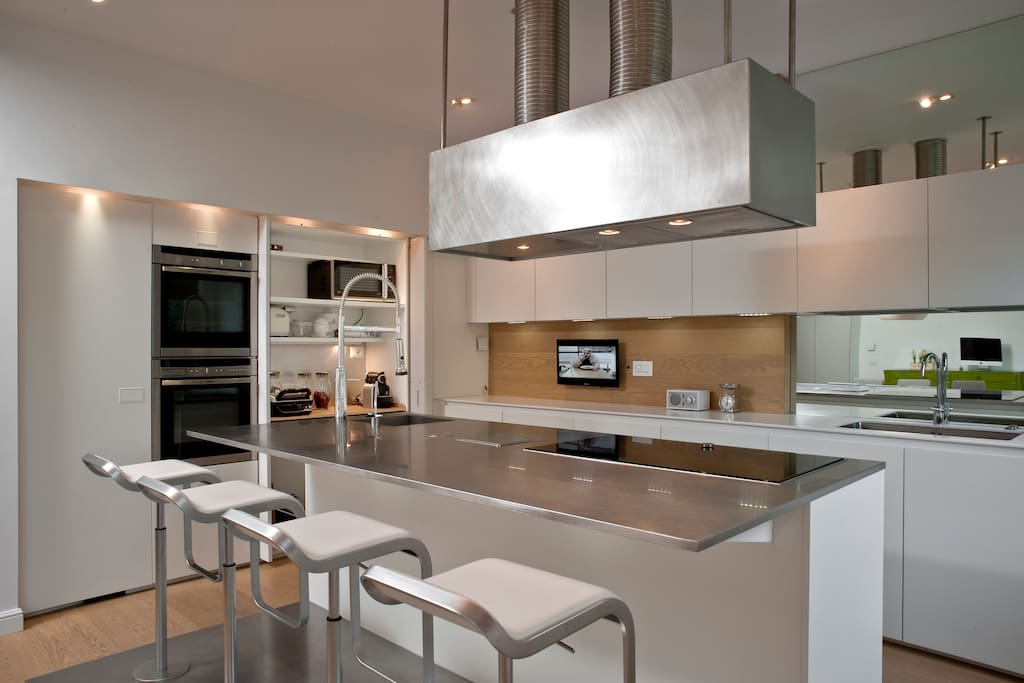 The fully equipped spacious kitchen