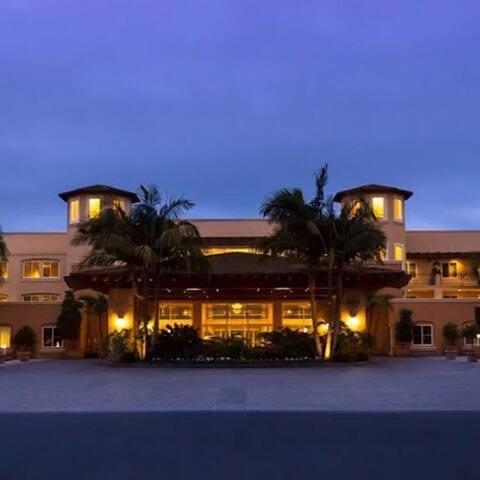 2 Bedroom, 2 Bath Luxurious Suite - Carlsbad, CA