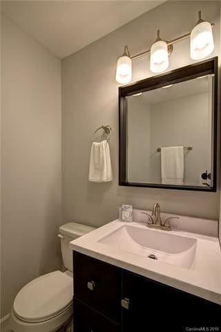 Bathroom (shared with one other bedroom)