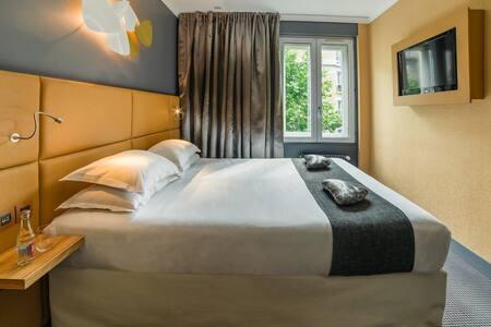 Chambre double grand lit