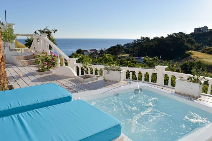Thea Villas No2 ( with outdoor jacuzzi )