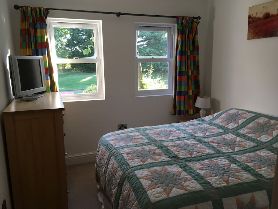 Cosy bedroom can accommodate a large double or 2 single beds.
