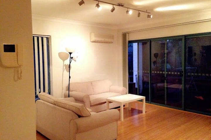 Double bedroom own bathroom 套间双人卧室 - Chatswood - Apartment