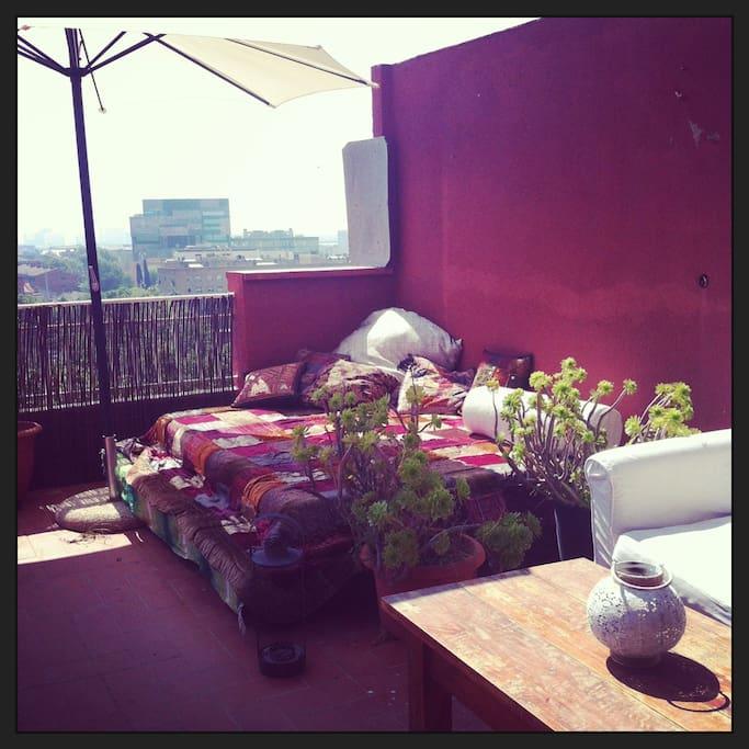 Atico con terraza muy cerca feria condominiums for rent for Terrazas easy 2016