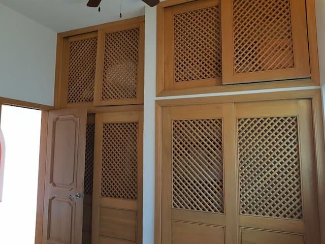 Bedroom 5 (1st Flr) - Closet