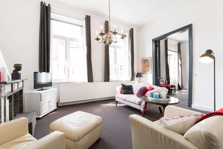 Stunning Centrally-Located Flat - Mechelen - Leilighet