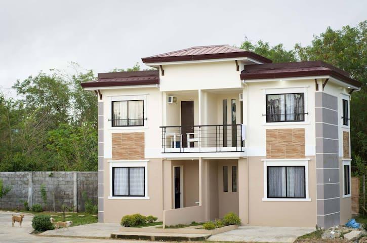 Brand new budget Duplex Apartment Bantayan Unit 1 - Bantayan - Leilighet