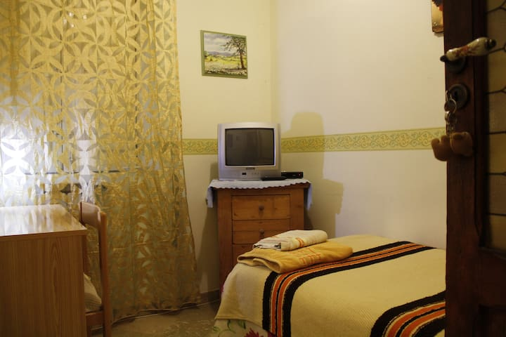 CENTRALLY LOCAT SMAL ROOM - Agrigento - Bed & Breakfast