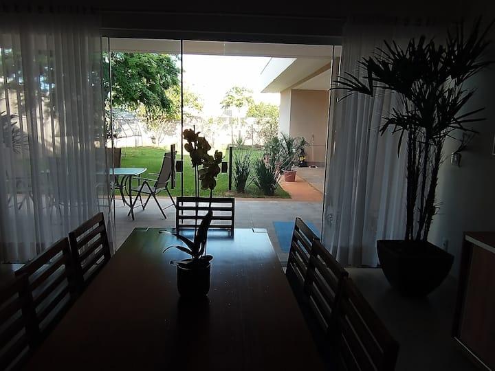 Brasília, 1 quarto casal, casa super confortável.