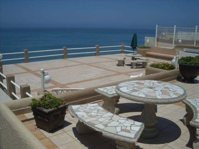 Casa Corlund: Oceanfront Privacy - Amazing Feel! - San Antonio del Mar - Apartment
