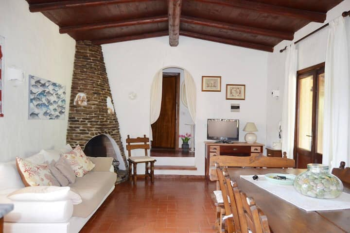 """Charming Vacation Home """"Villa Mare Rocce"""" with Garden & Terrace; Parking Available; Pets Allowed"""