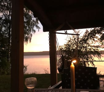 Timmerhus med strand/Lake house with private beach
