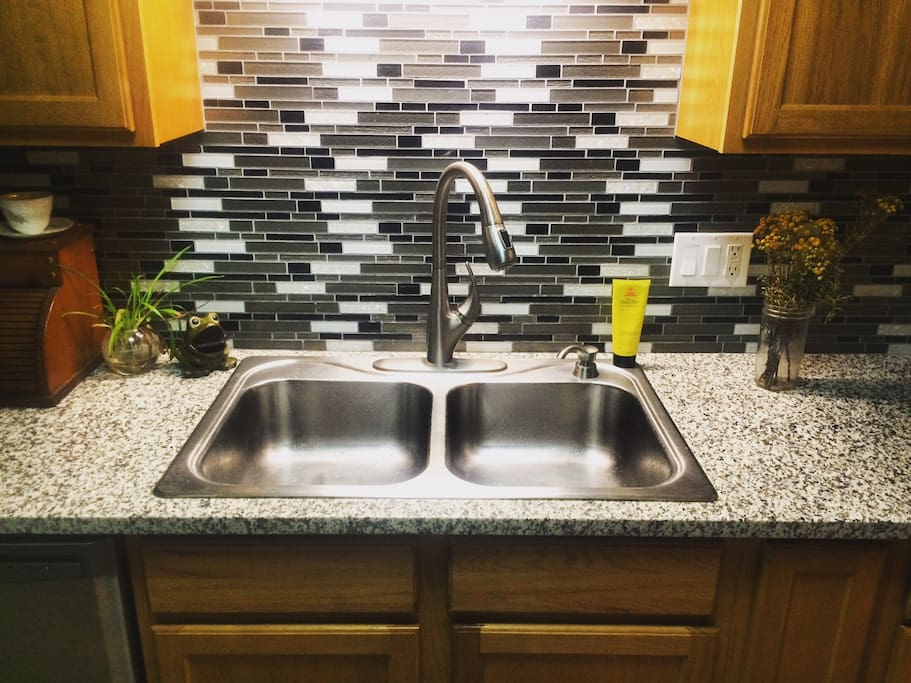 Garbage disposal and dish washer make clean up quick and easy.