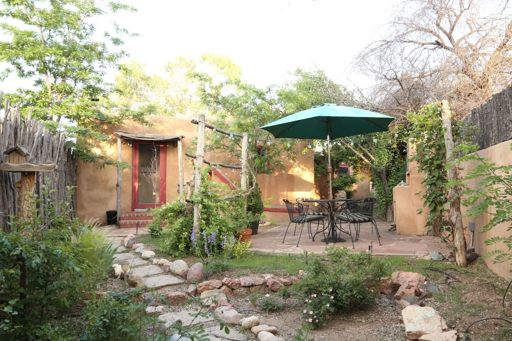 Private Back Yard Garden Patio
