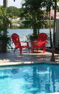 Resort style home on a lake - Pembroke Pines