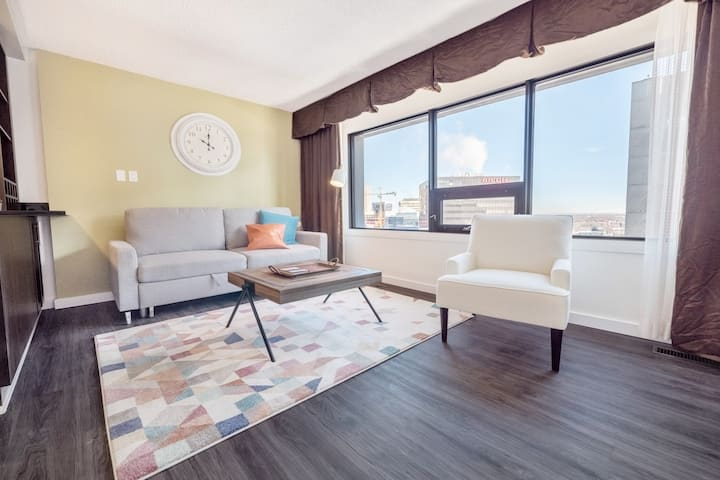 Lovely 1BR|King Bed|Downtown Convention MTS Centre