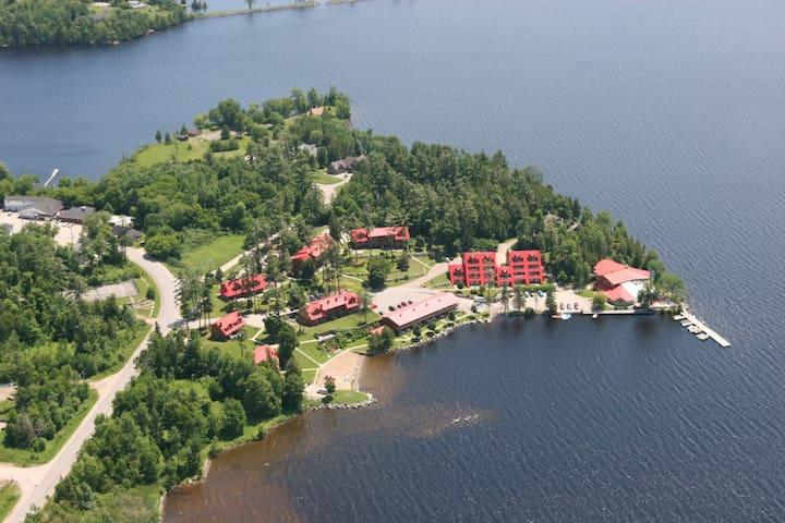 Calabogie Lodge Resort, near Ottawa, 1 bedroom
