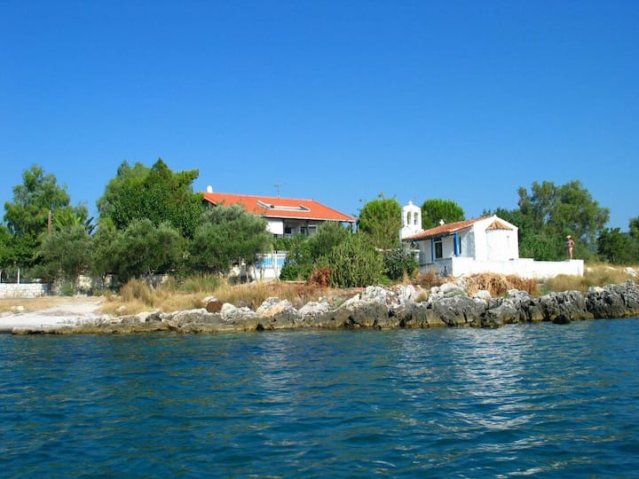Family house next to the sea