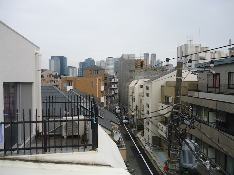 3 minute from Nakano Shimbashi st on the Maurnouchi line