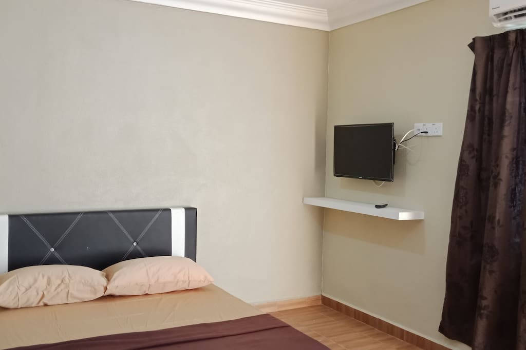 Room 1  - Price RM80  - TV - air conditioned - 1 queen bed - ceiling fan - private bathroom    Room 2 - Price RM80  - TV - air conditioned - 1 queen bed - ceiling fan - private bathroom