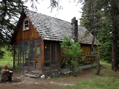 Inspiring retreat in Polebridge