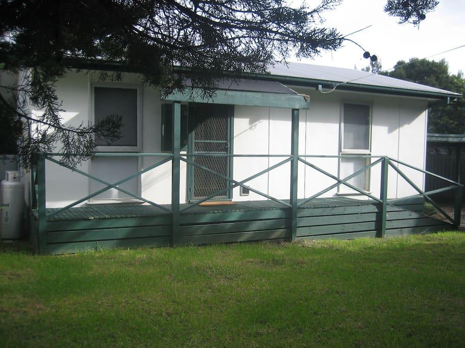 no fuss beach shack h user zur miete in phillip island victoria australien. Black Bedroom Furniture Sets. Home Design Ideas