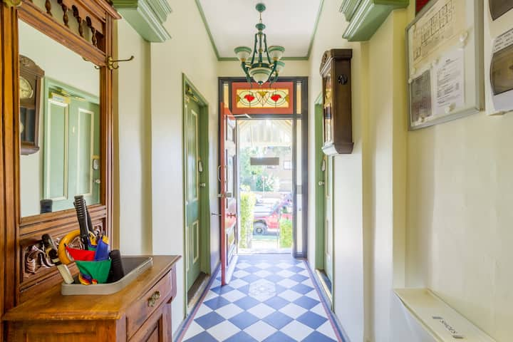 STANDARD SINGLE Room - PERIOD RANDWICK GUESTHOUSE!