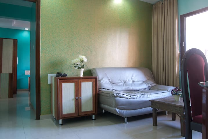Spacious 1 Bedroom Apt - All to Yourself! - Mumbai - Hotellipalvelut tarjoava huoneisto