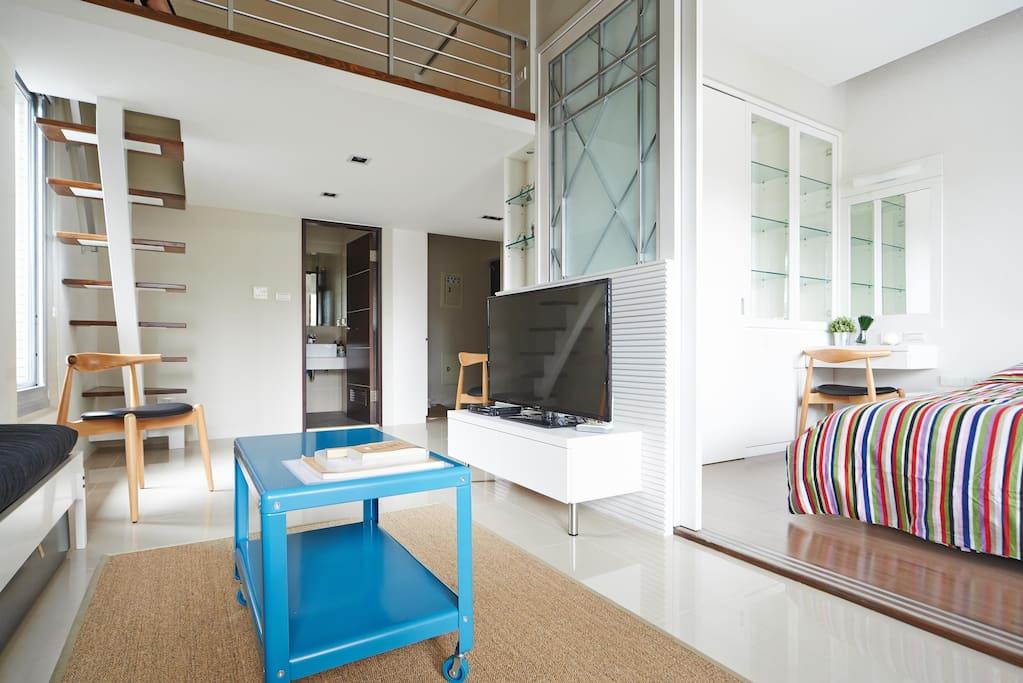 Lovely living room & master bedroom 非常舒適的客廳與主臥