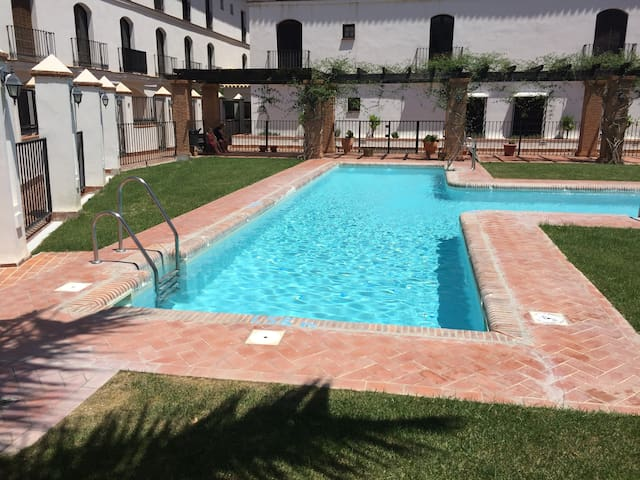 Duplex apartment (sister) with shared pool - Vélez de Benaudalla - Departamento