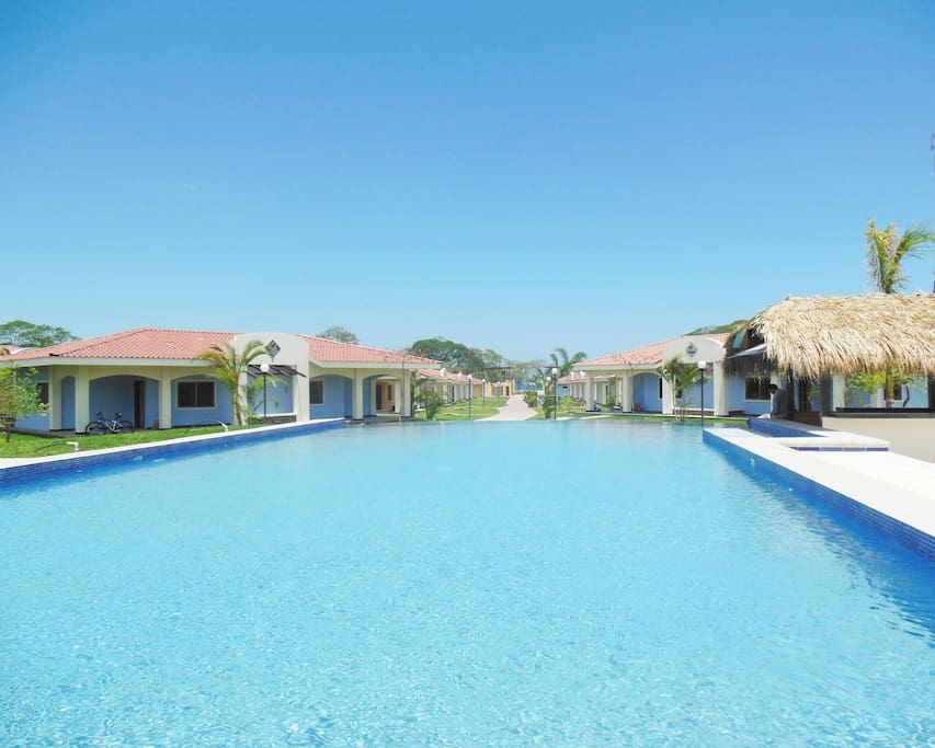 Villa MAGNOLIA with pool and jacuzzi 40m long