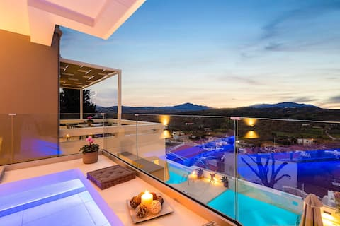 Three Moirai - Newly built boutique villa
