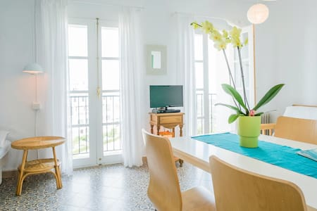 Casa Caroline · In the old town Frigiliana - Frigiliana - Apartamento