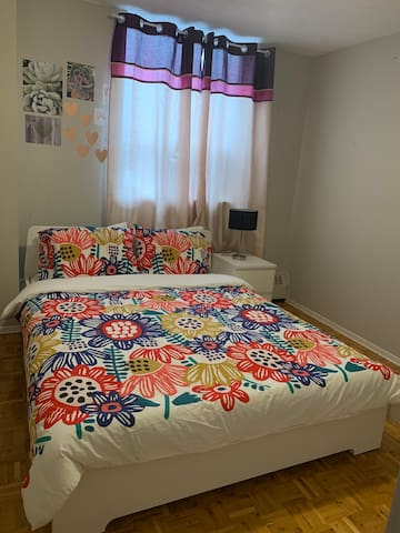 clean, comfortable(i accept female only)