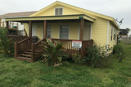 3 Rm - Peaceful, Sunny Getaway Home - Bolivar Peninsula - Huis