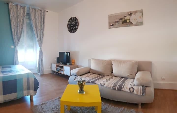 Magnifique appartement, meublé équipé, port canal