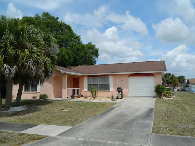 Port Charlotte Florida Entire Home 2 Bed 2 Bath