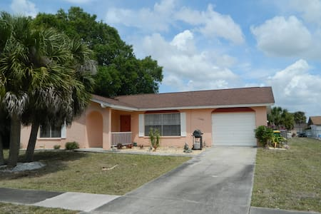 Port Charlotte Florida Entire Home 2 Bed 2 Bath