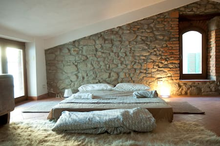 casa del 500 su borgo medievale - Montecatini Terme