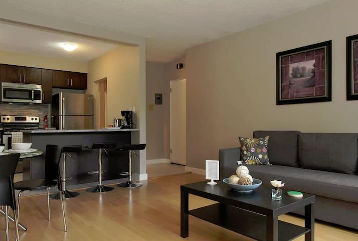 Beautiful 1 Bdm Apartment in Mission Calgary! # 11