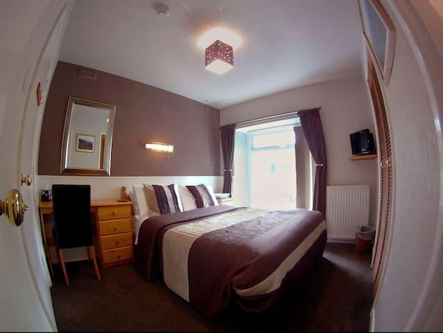 Glyn Peris Guest House - Caernarfon