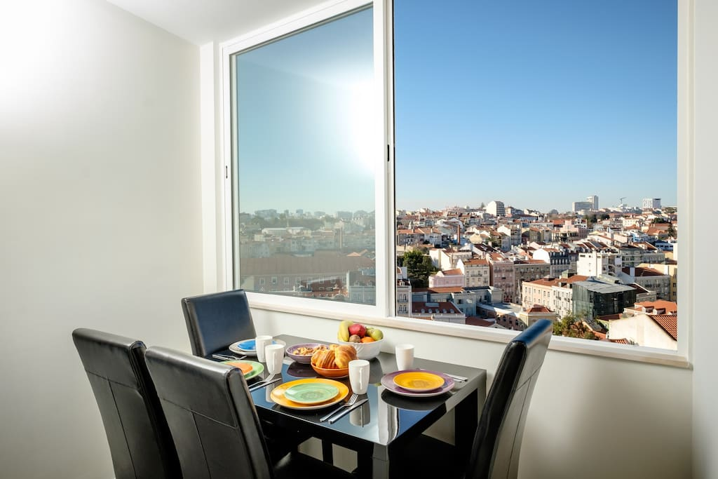 """The spectacular city view from the dining room """"Graca 1900"""" - Holiday Rental Apartments Lisbon"""