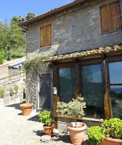 Montefiascone - Vista lago - Rumah