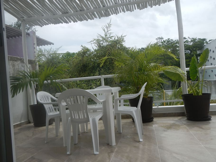 Amazing terrace with jungle garden view to enjoy your breakfast.