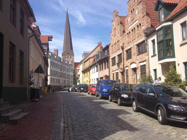 Gemütliche Altstadtwohnung - Rostock - Leilighet